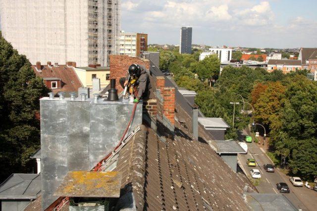 Schornsteinsanierung mit Dachkletterer