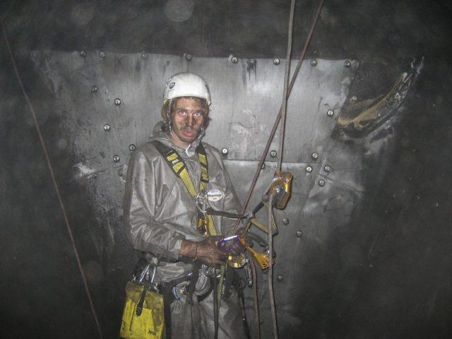 Industriekletterer Im Kohlebunker