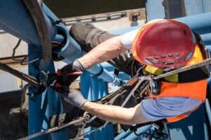 Höhenarbeiter bei der Arbeit