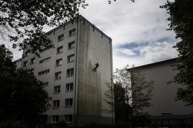 gerüstlose Fassadenreinigung